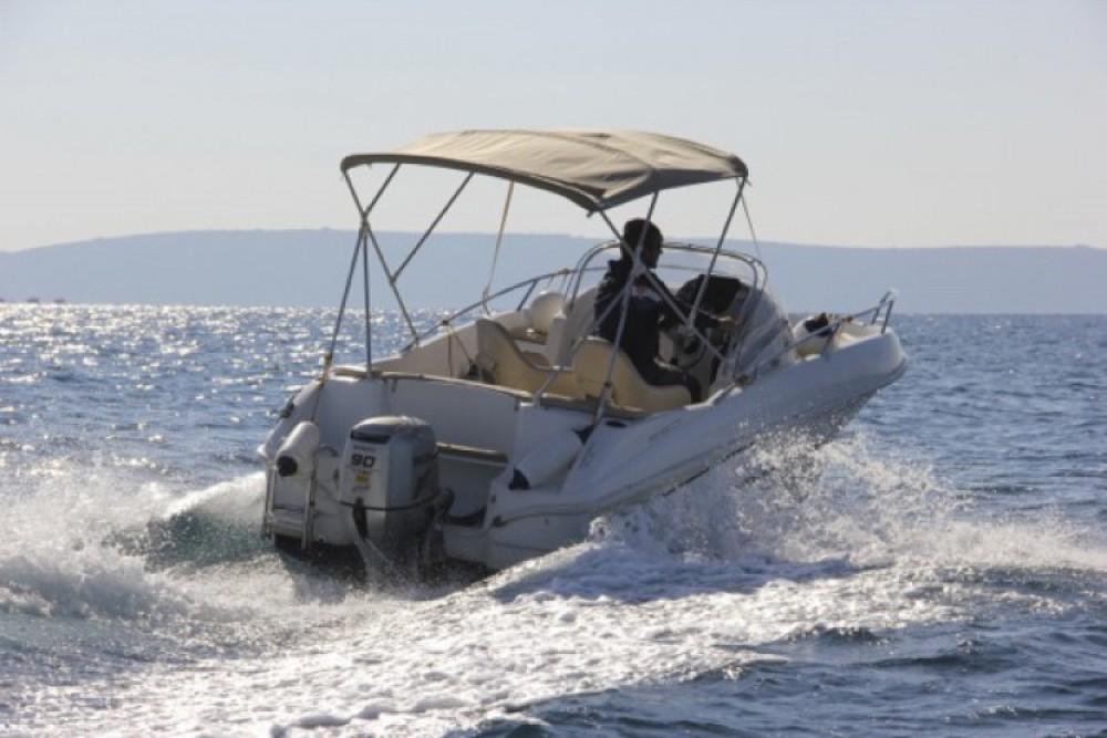 Bénéteau Beneteau Flyer 550 SD entre particuliers et professionnel à ACI Marina Trogir