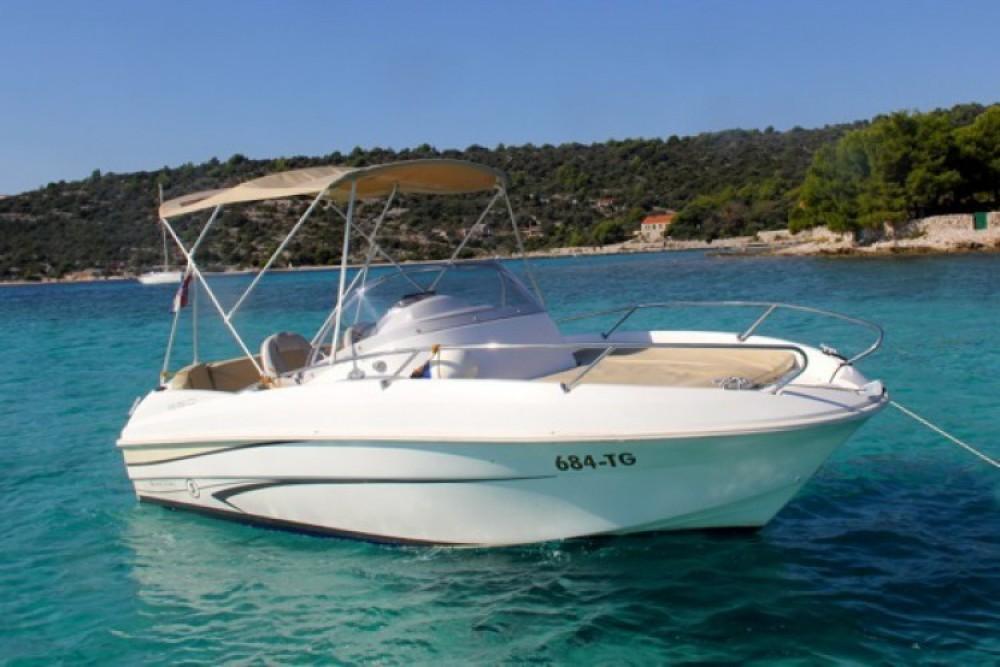 Louez un Bénéteau Beneteau Flyer 550 SD à ACI Marina Trogir