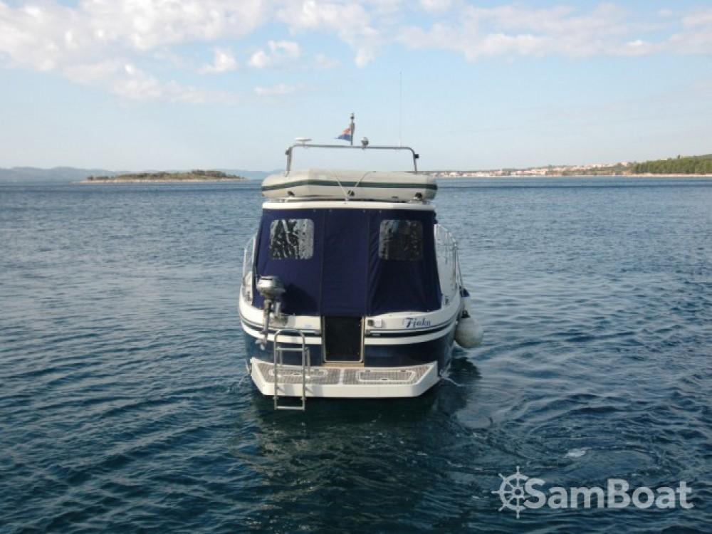Motorboot mit oder ohne Skipper Sas Vektor mieten in Sukošan