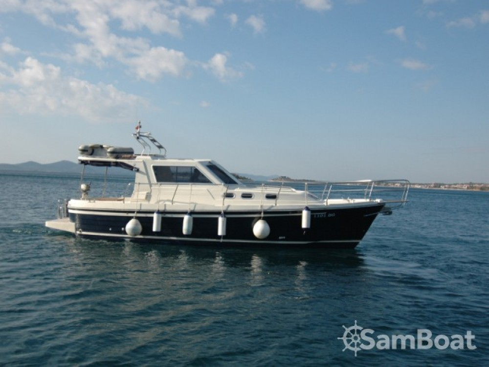 Location bateau Sas Vektor ADRIA 1002 à Sukošan sur Samboat