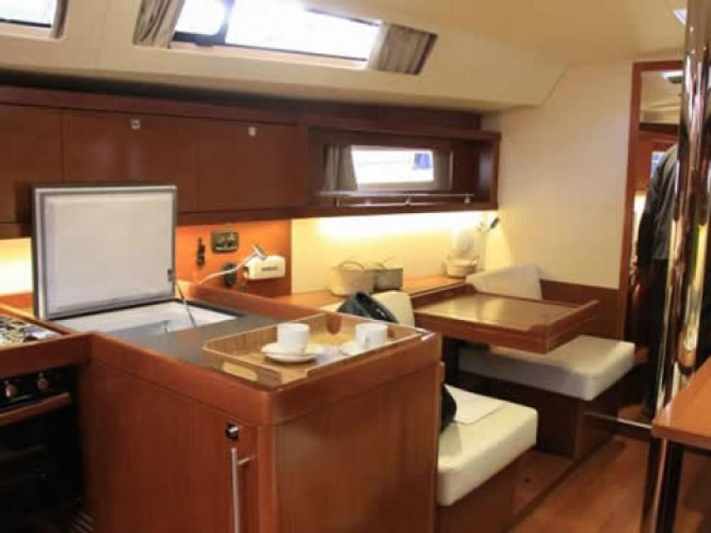 Location bateau Bénéteau Oceanis 41 à Μαρίνα Αλίμου sur Samboat