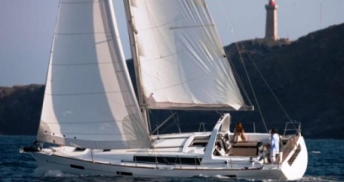 Bénéteau Oceanis 41 entre particuliers et professionnel à Μαρίνα Αλίμου