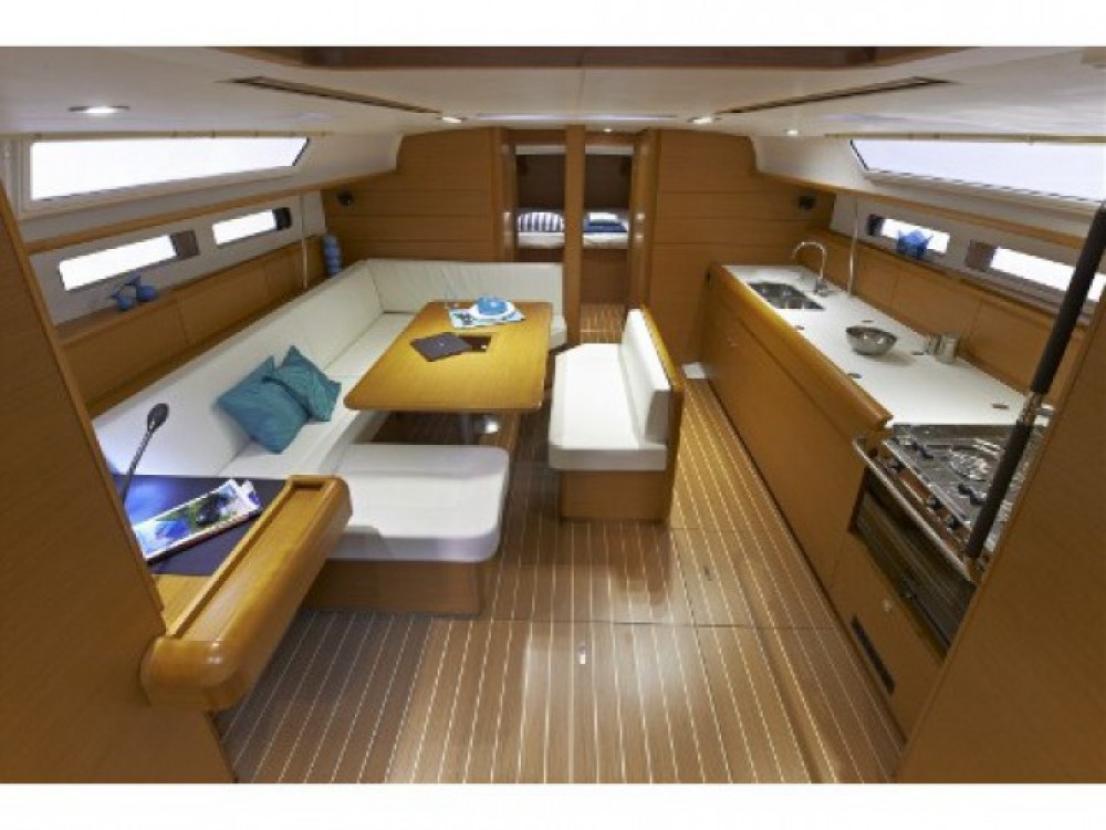Location bateau Marina de Alimos pas cher Sun Odyssey 469