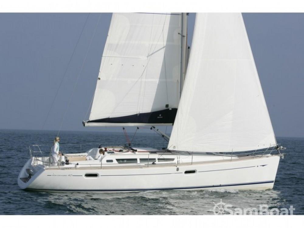 Location bateau Cala dei Sardi pas cher Sun Odyssey 42i