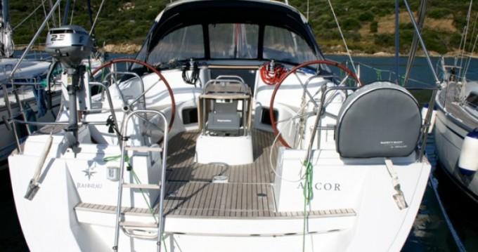 Boat rental Jeanneau Sun Odyssey 44i in Felanitx on Samboat