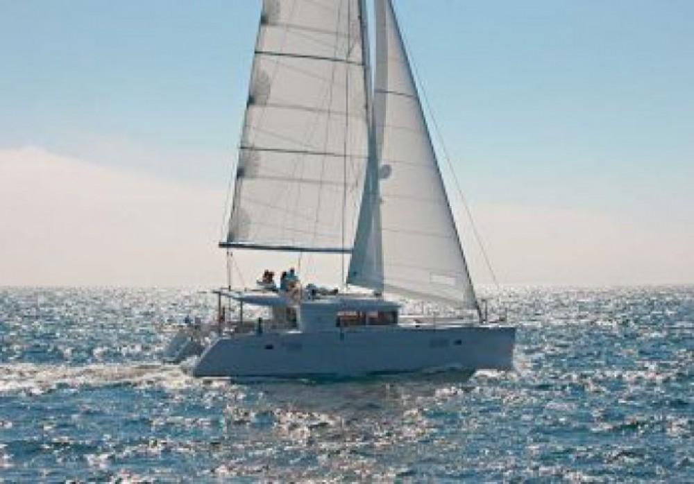Location Catamaran à Cala dei Sardi - Lagoon Lagoon 450F