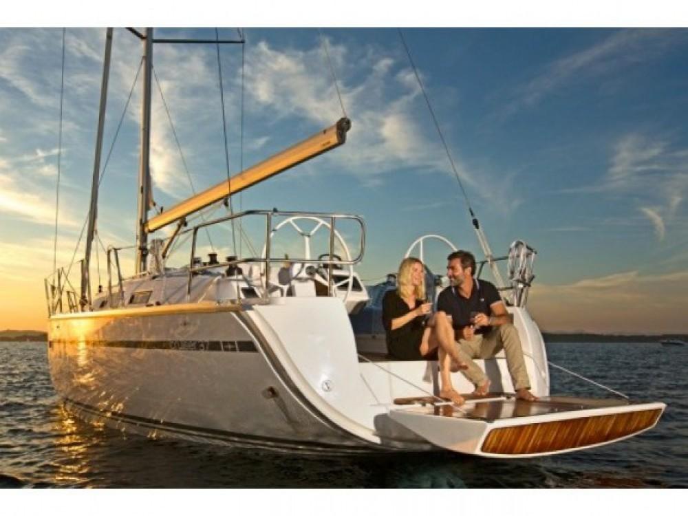 Location bateau Cala dei Sardi pas cher Bavaria Cr 37
