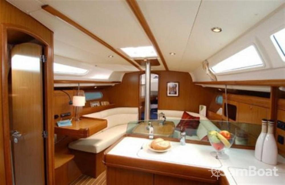 Louez un Jeanneau Sun Odyssey 36i à Felanitx