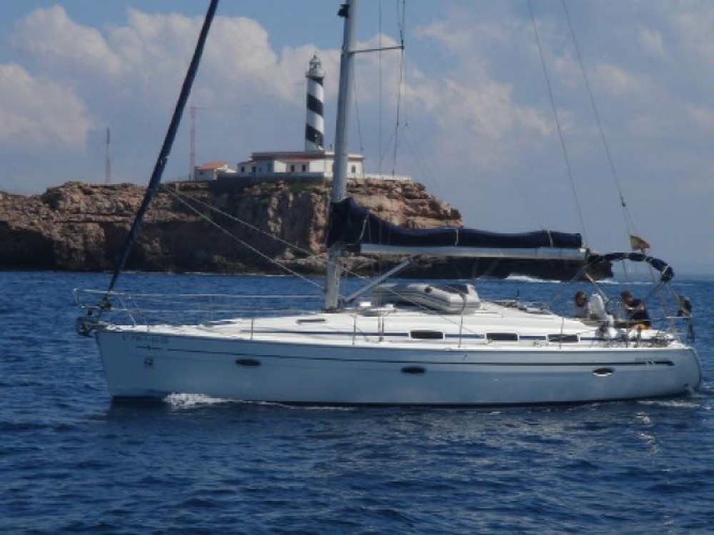 Louez un Bavaria Cruiser 39 à Marina de Alimos