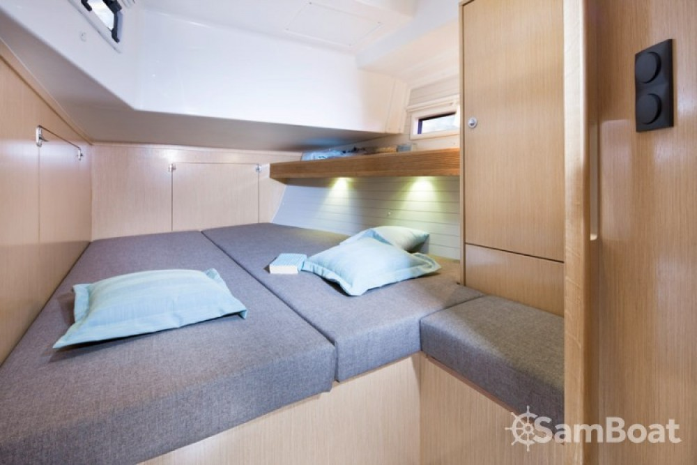 Bavaria Cruiser 45 entre particuliers et professionnel à Marina Gouvia