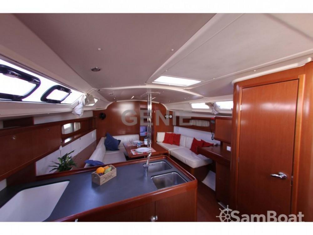 Location yacht à Μαρίνα Αλίμου - Bénéteau Oceanis 37 sur SamBoat
