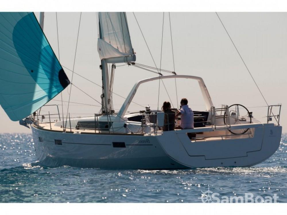 Bénéteau Oceanis 45 entre particuliers et professionnel à La Spezia