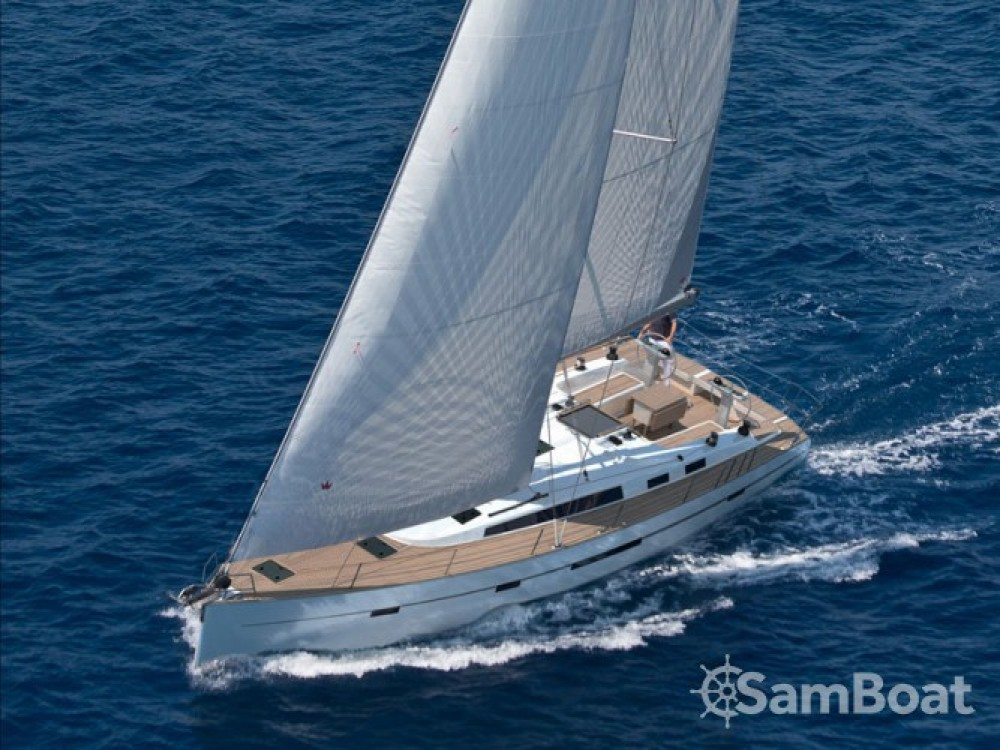 Louer Voilier avec ou sans skipper Bavaria à Marina de Alimos