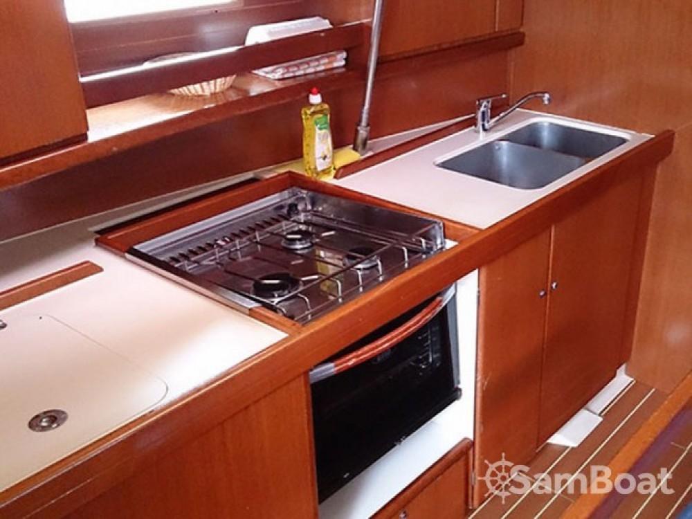 Location yacht à Marina de Alimos - Dufour Dufour 385 sur SamBoat