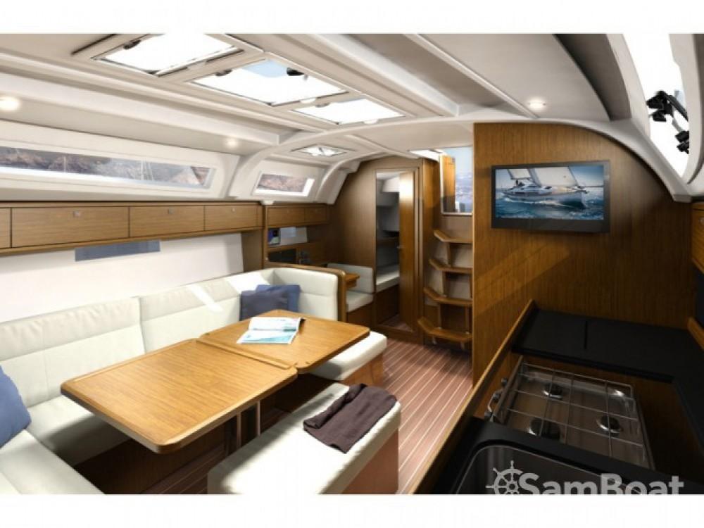 Bavaria Cruiser 41 entre particuliers et professionnel à Μαρίνα Αλίμου