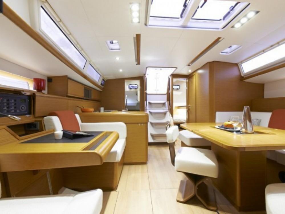 Louez un Jeanneau Sun Odyssey 469 à Leucade