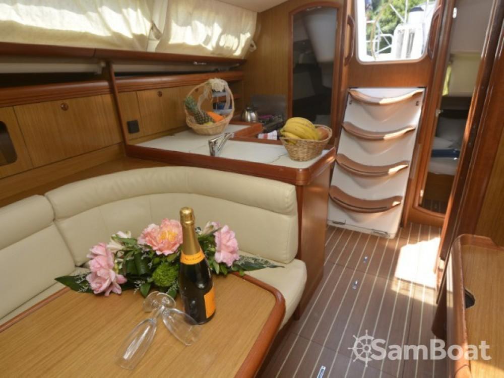 Location bateau Jeanneau Sun Odyssey 36i à ACI Marina Dubrovnik sur Samboat