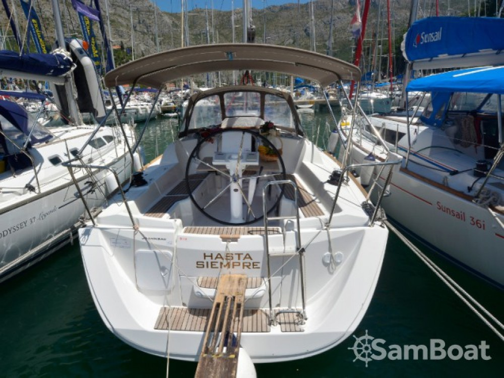 Jeanneau Sun Odyssey 33i entre particuliers et professionnel à ACI Marina Dubrovnik
