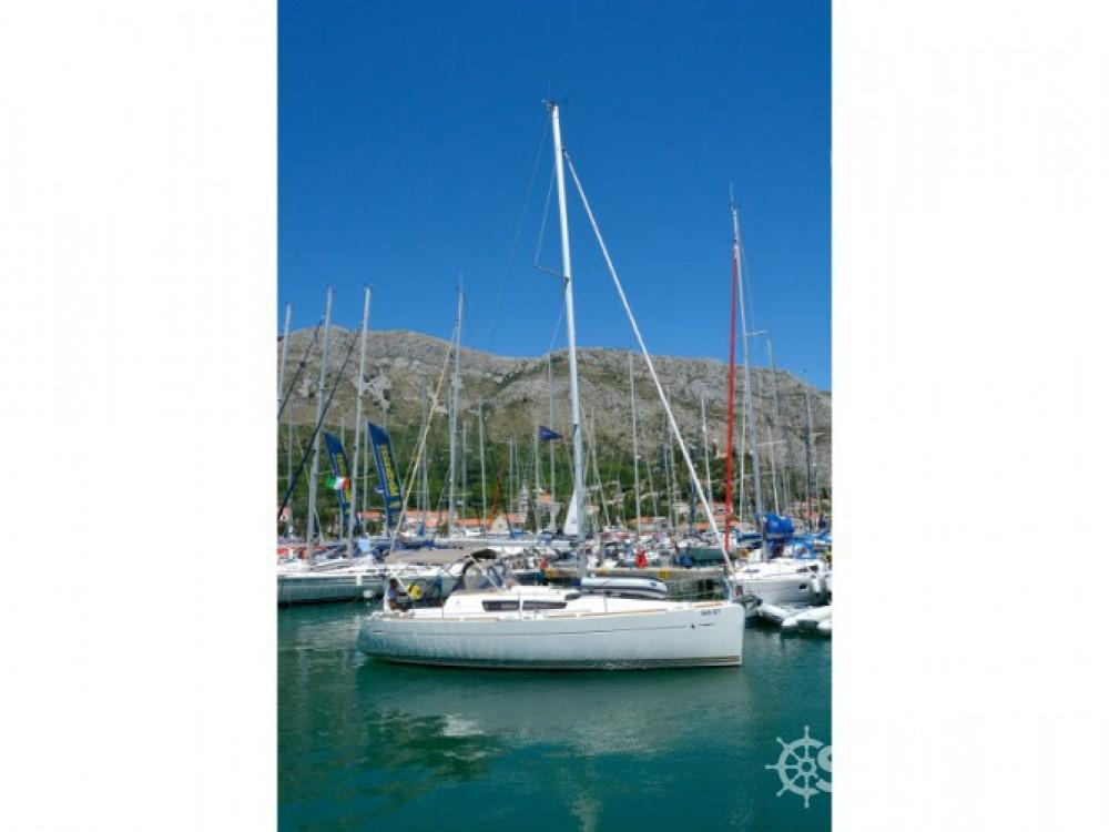 Location bateau Jeanneau Sun Odyssey 33i à ACI Marina Dubrovnik sur Samboat