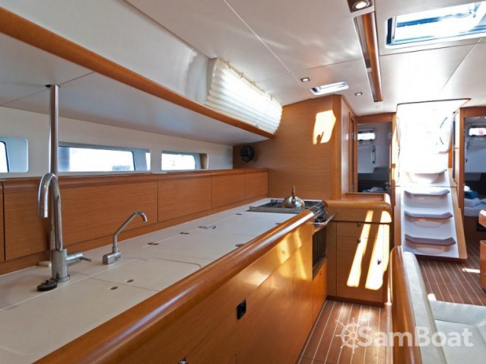 Location bateau Jeanneau Sun Odyssey 509 à ACI Marina Split sur Samboat