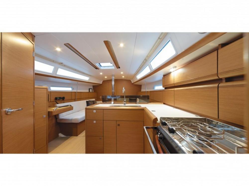 Location yacht à ACI Marina Dubrovnik - Jeanneau Sun Odyssey 389 sur SamBoat
