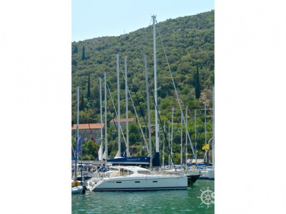 Location bateau ACI Marina Dubrovnik pas cher Nautitech 40