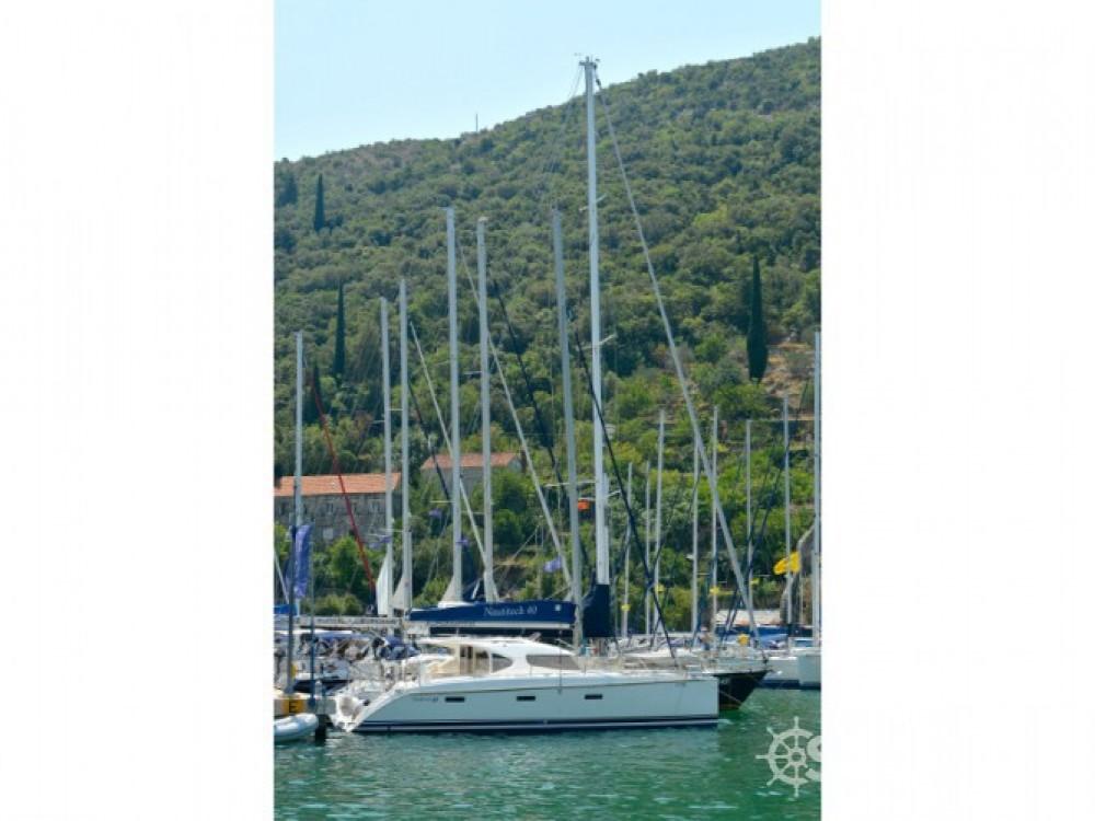 Nautitech Nautitech 40 entre particuliers et professionnel à ACI Marina Dubrovnik