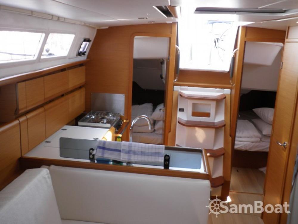 Location bateau Jeanneau Sun odyssey 379 performance à Sukošan sur Samboat