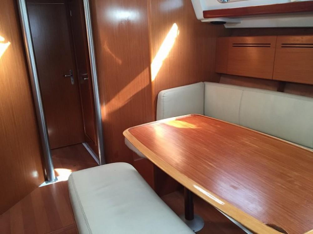 Location bateau Bénéteau Cyclades 43 à Gênes sur Samboat