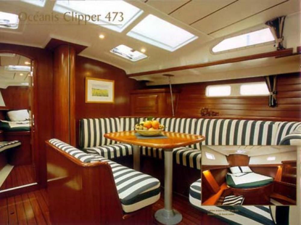 Bénéteau Oceanis 473 entre particuliers et professionnel à Gênes