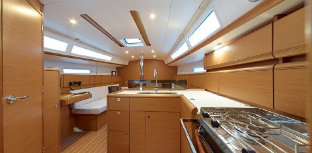 Location bateau Jeanneau Sun Odyssey 379 à ACI Marina Split sur Samboat