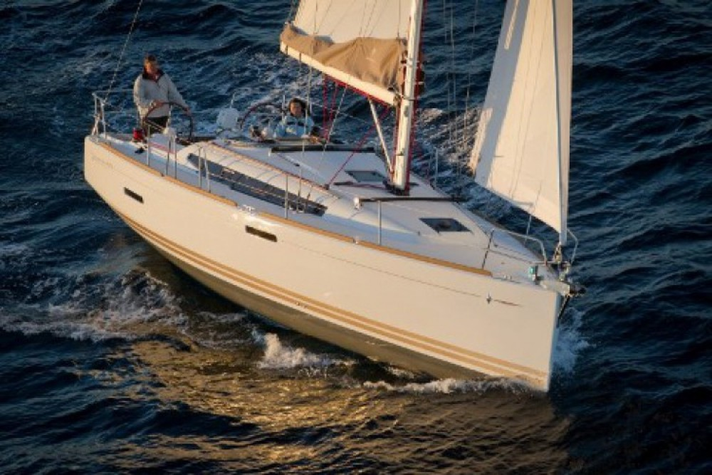 Jeanneau Sun Odyssey 379 entre particuliers et professionnel à ACI Marina Split