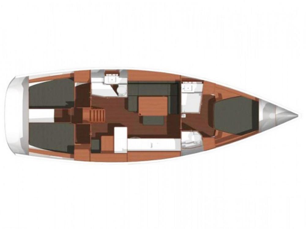 Dufour Dufour 450 Owner version entre particuliers et professionnel à Marina Kaštela