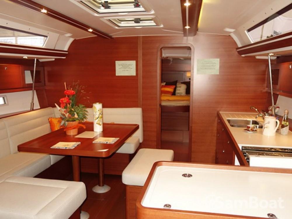 Location bateau Dufour Dufour 450 Owner version à Marina Kaštela sur Samboat