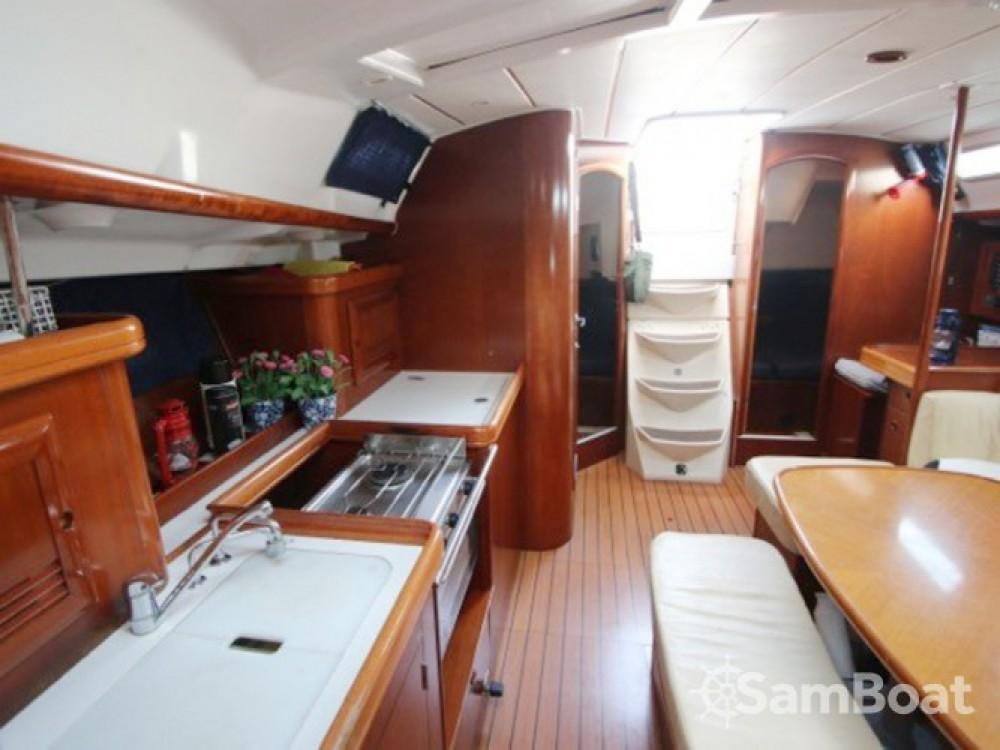 Location bateau Bénéteau Oceanis 393 à Marina sur Samboat