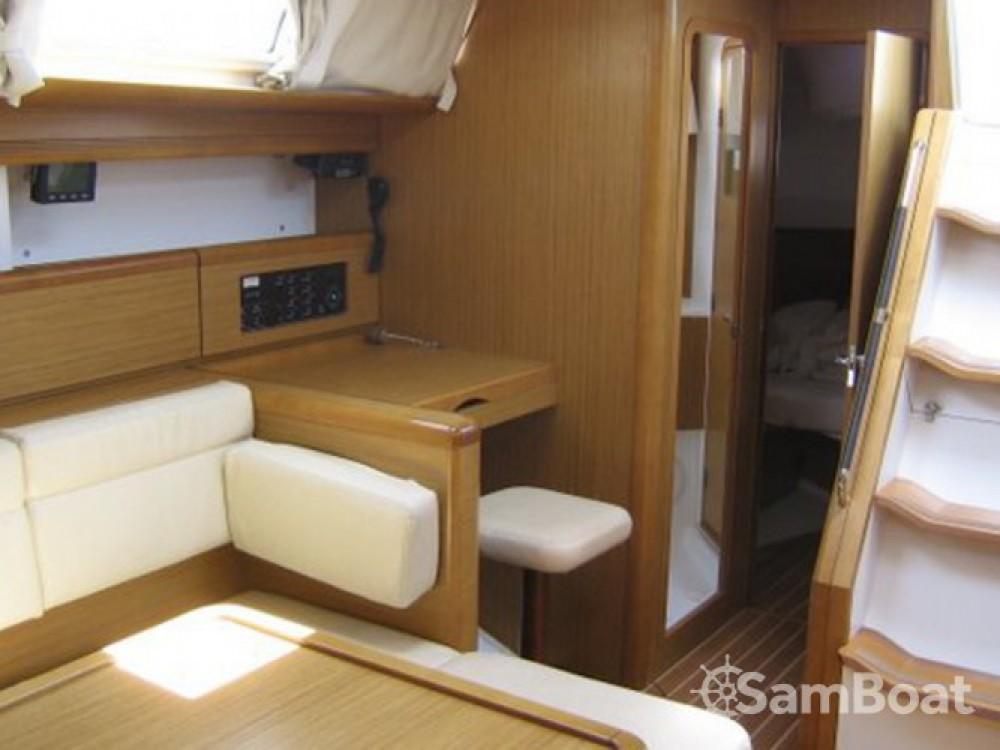 Location bateau Jeanneau Sun Odyssey 49i à Pula sur Samboat