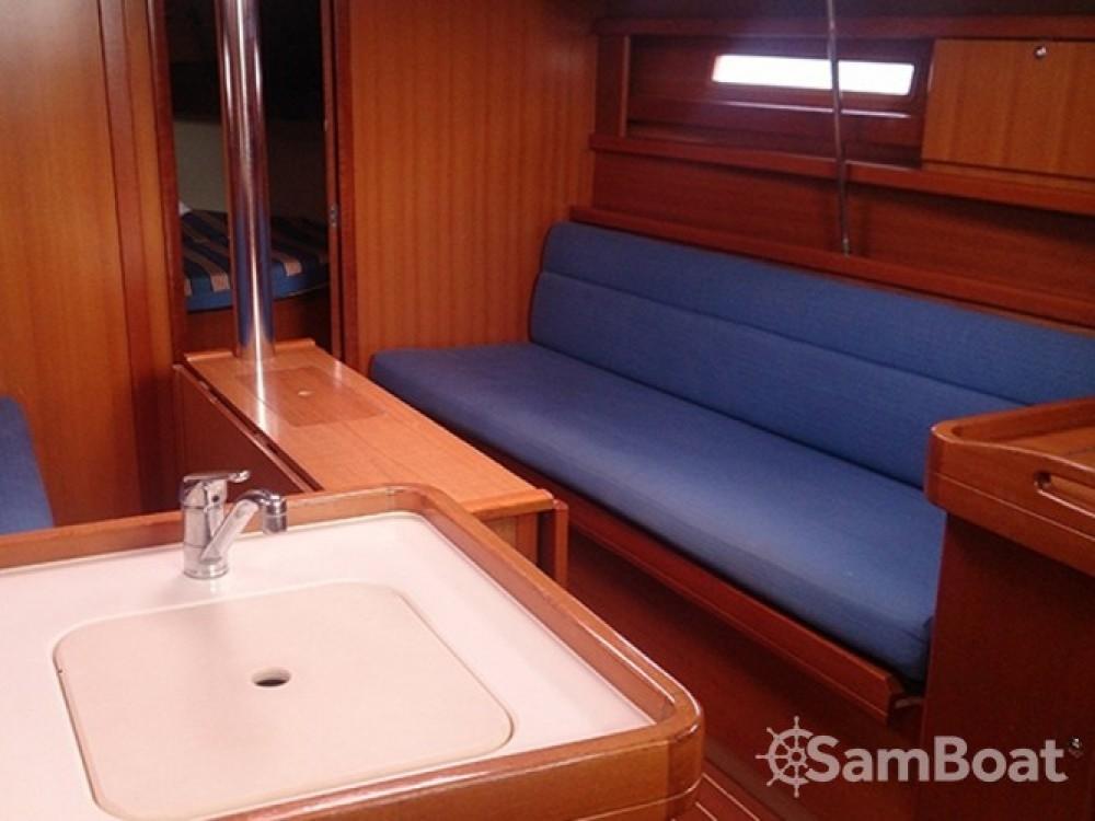 Location bateau Pula pas cher Dufour 325