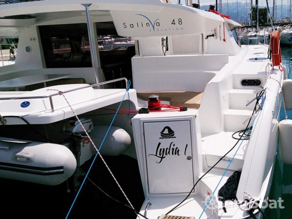 Fountaine Pajot Salina 48 entre particuliers et professionnel à Marina