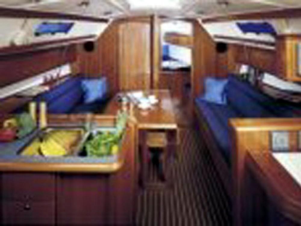Bavaria Cruiser 36 entre particuliers et professionnel à ACI Marina Trogir