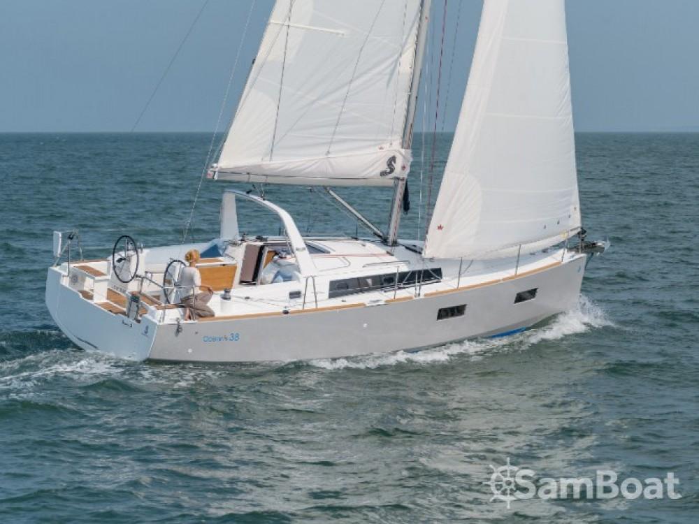 Location bateau Bénéteau Oceanis 38 à Furnari sur Samboat