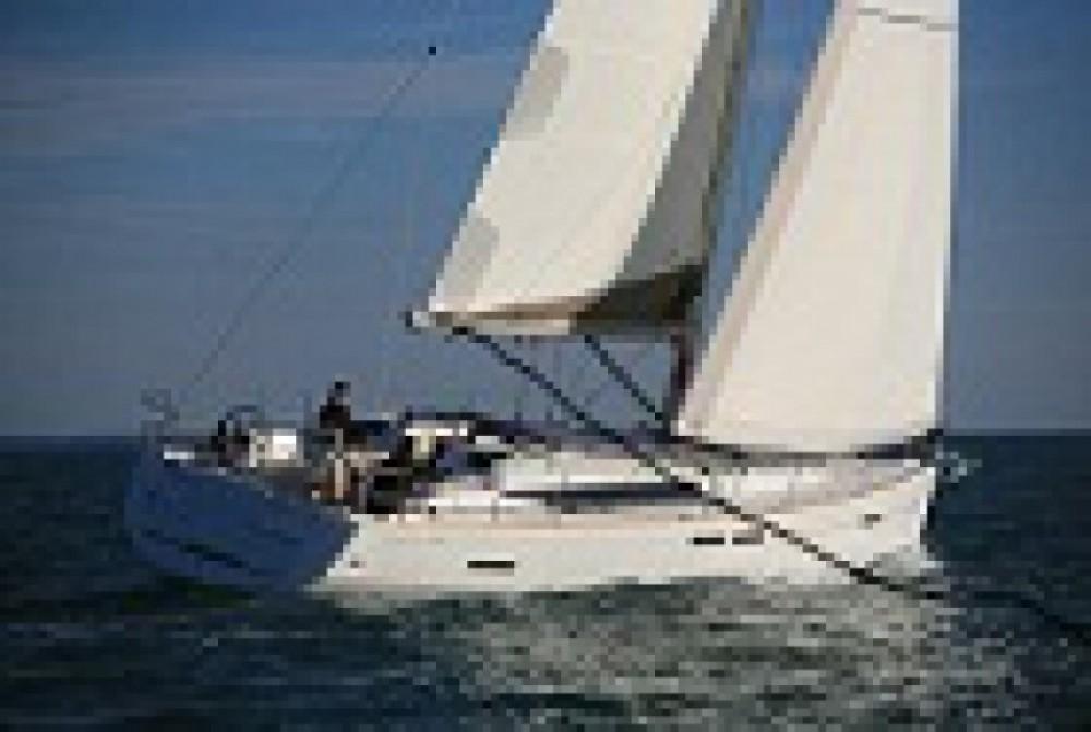 Huur een Jeanneau Sun Odyssey 439 in Castiglioncello
