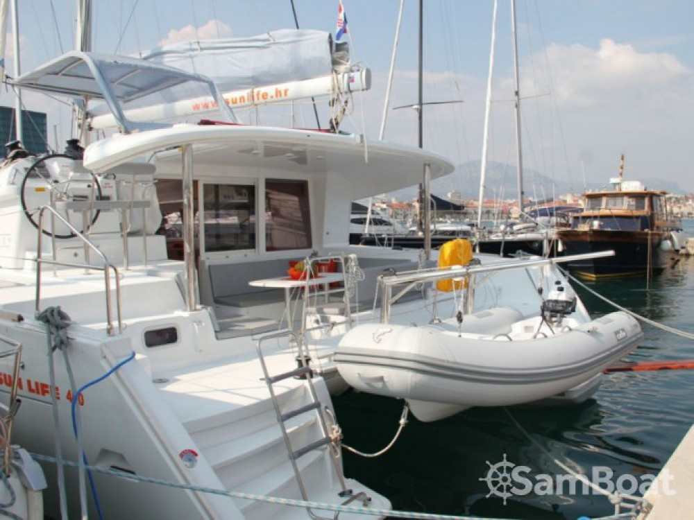 Noleggio Catamarano con o senza skipper Lagoon ACI Marina Split