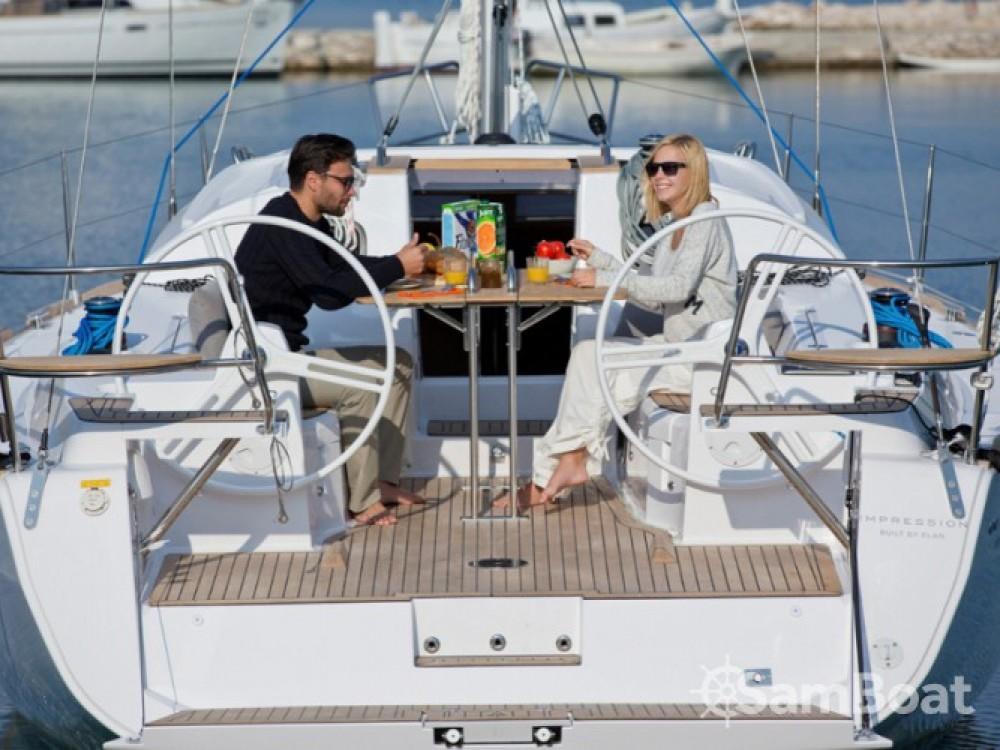 Elan Elan 40 Impression entre particuliers et professionnel à ACI Marina Split