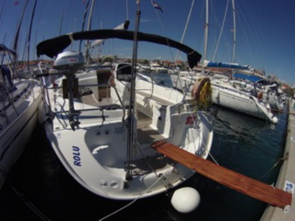 Louez un Bavaria Bavaria 39 Cruiser à ACI marina Vodice