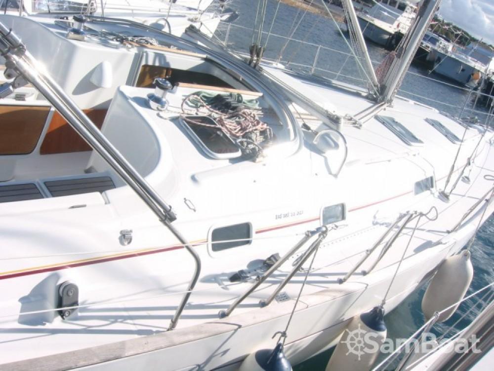 Bénéteau Oceanis 411 entre particuliers et professionnel à ACI marina Vodice