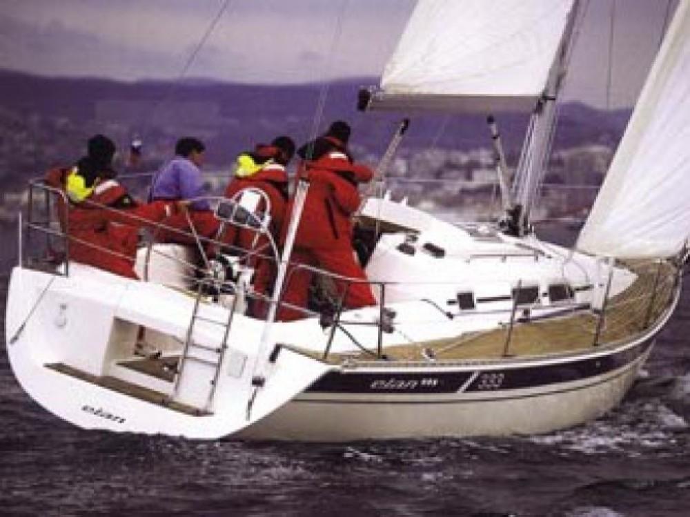 Louez un Elan Elan 333 à ACI marina Vodice