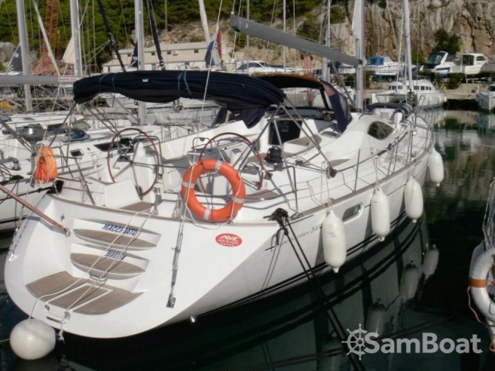 Location bateau Jeanneau Sun Odyssey 54 DS à ACI marina Vodice sur Samboat