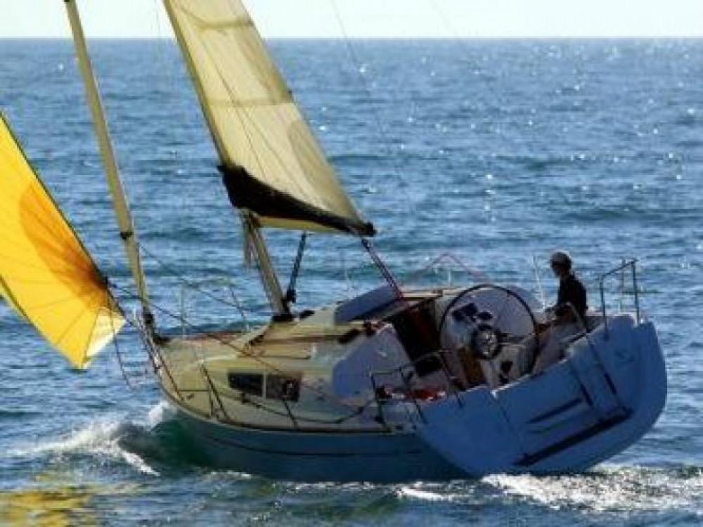 Jeanneau Sun Odyssey 30i entre particuliers et professionnel à ACI marina Vodice