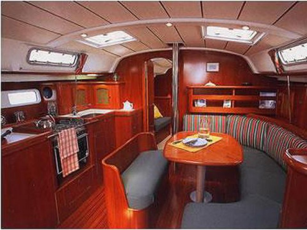 Location bateau Bénéteau Oceanis 411 à Leucade sur Samboat