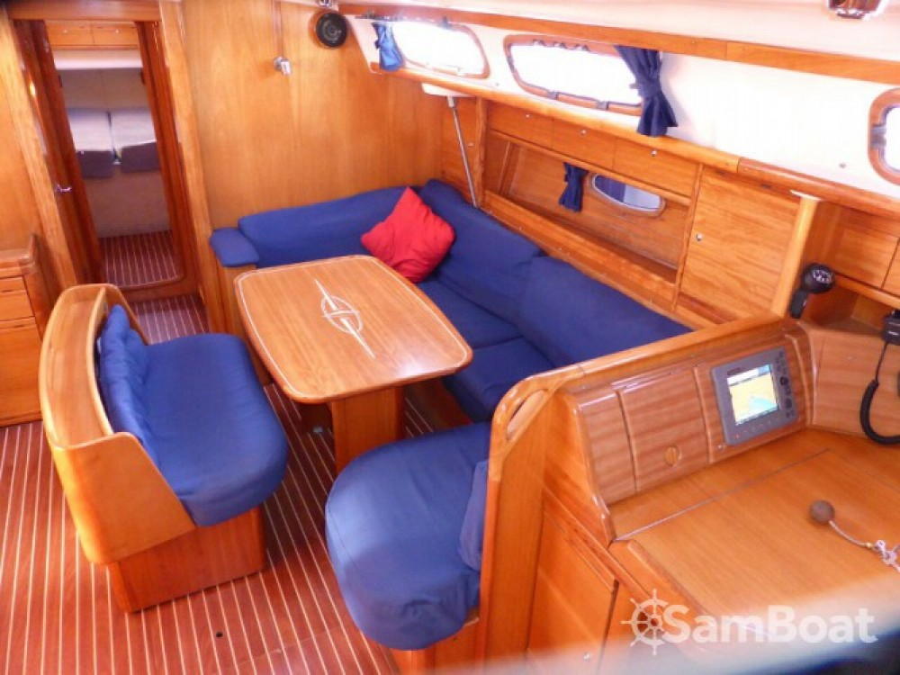 Bavaria Cruiser 46 entre particuliers et professionnel à Marina Naviera Balear